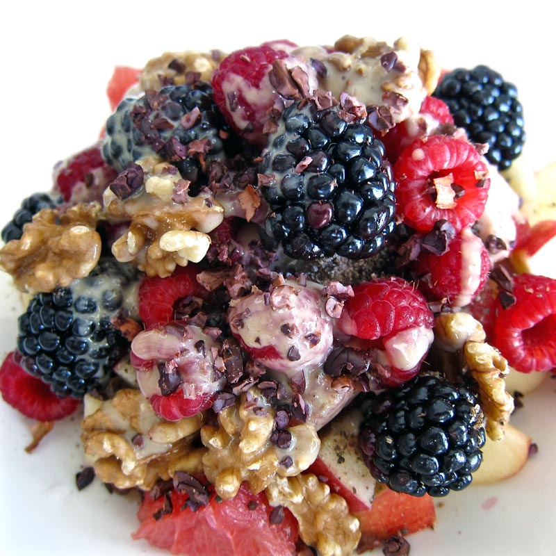 Walnut Berry Breakfast Bowl w. Ground Chia